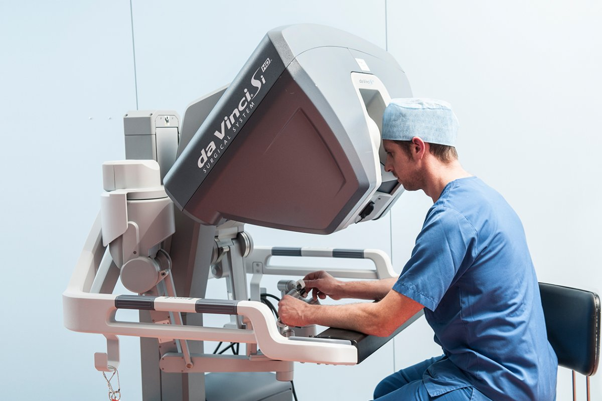 Da Vinci Robot-assisted surgery